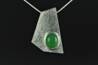 Five sided textured silver pendant with oval Chrysophrase
