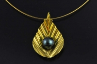 South Seas Black pearl and 22ct gold pendant